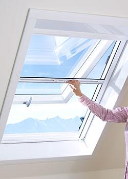 Insektenschutzrollos für Türen und Fenster